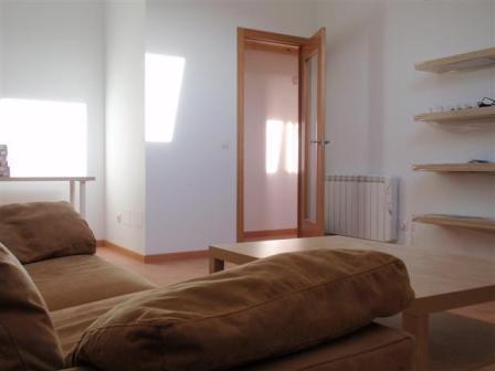 Se alquila piso 95 m2 3 hab. económico en Brión a 5 minutos de Santiago
