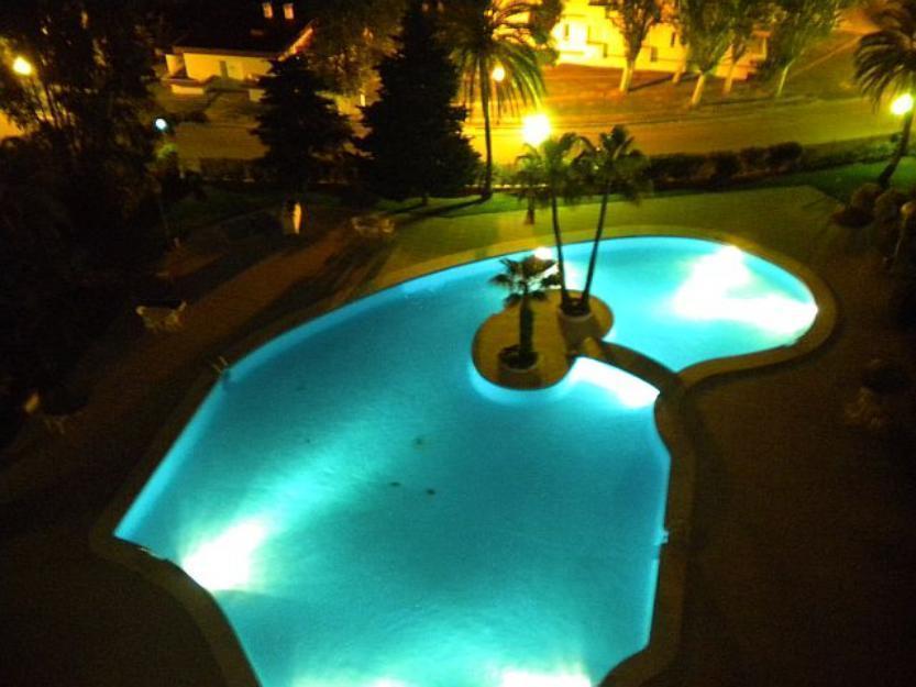 Apartamento en alquiler vacacional, terraza, piscina, en el Edificio Siesta-2