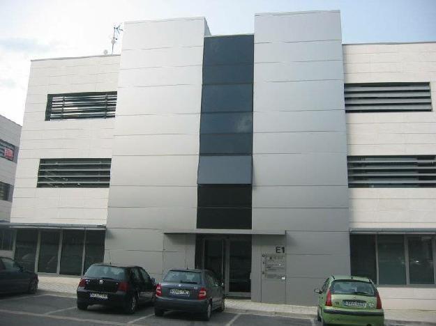 Mutilva Alta.Oficina preparada máxima calidad en materiales,en edificio de oficinas del polígono