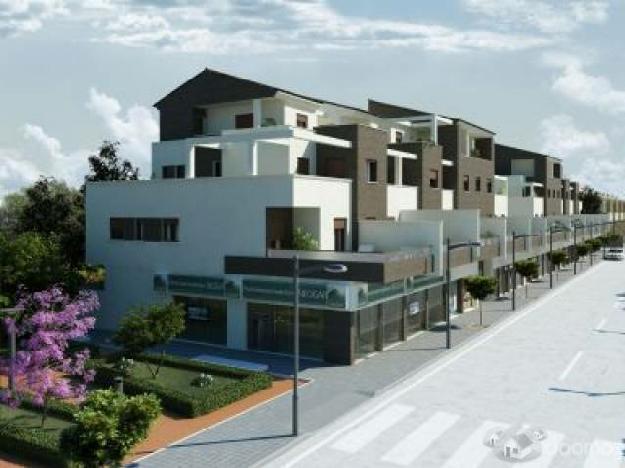 Locales comerciales en edificio de diseño junto colegio y polideportivo