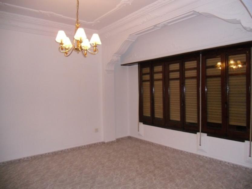 Alquilo precioso piso vacio o amueblado 3 hab junto torres quart