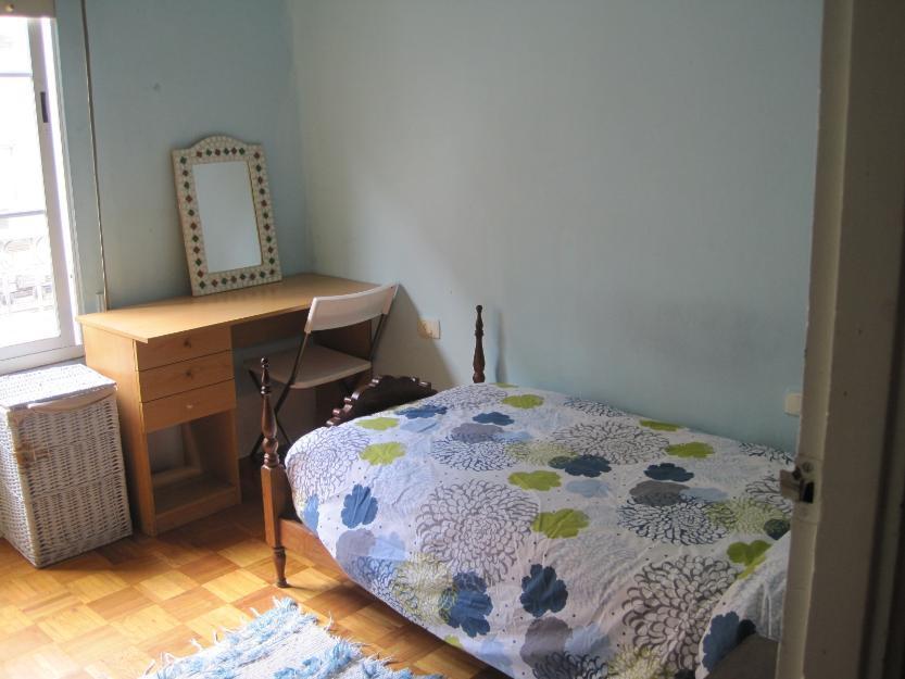 Alquilo habitación en piso céntrico