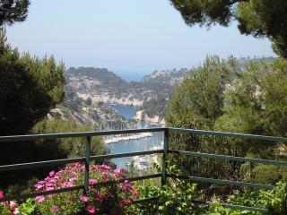 Villa : 10/12 personas - piscina - vistas a mar - cassis  bocas del rodano  provenza-alpes-costa azul  francia