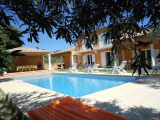 Villa : 8/10 personas - piscina - cogolin  var  provenza-alpes-costa azul  francia