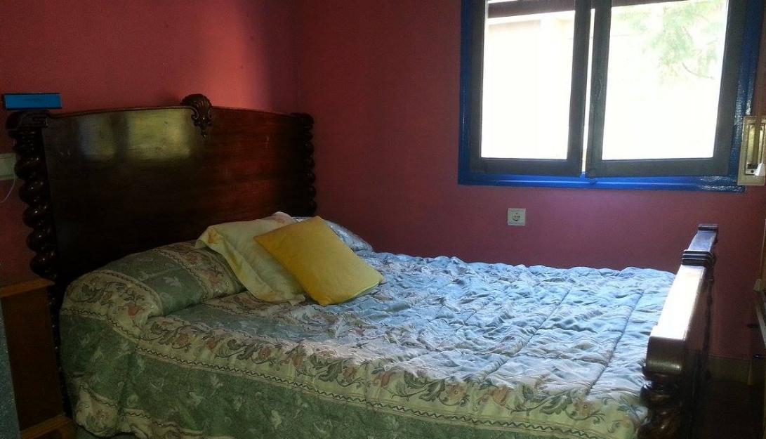 Alquilo habitación muy céntrica de almeria