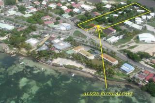 Bungalow : 2/4 personas - junto al mar - sainte anne (guadalupe)  grande terre  guadalupe