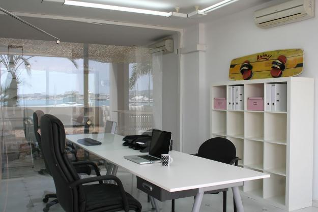 Oficinas compartidas en el centro de Ibiza.