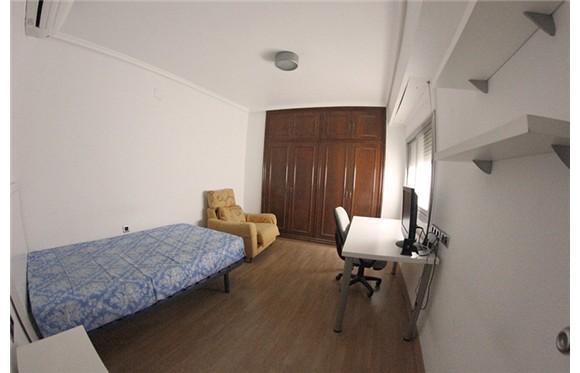 Habitación doble a metros del edificio CamposGorriz de la UCHCEU ideal estudiantes